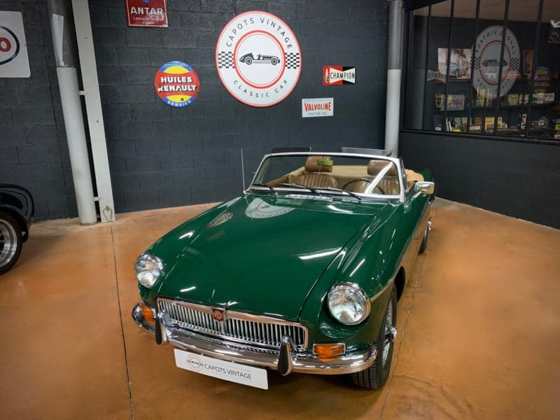 MGB 1800 Green – Avant