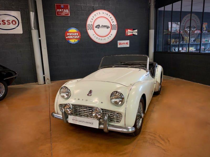 Triumph TR3A Blanche – Avant